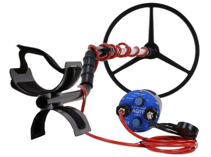 Aquascan Aquapulse AQ1B submersible metal detector with 15inch coil